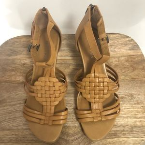 KENNETH COLE Wedge Sandals • tan • size 8